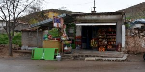 Aksaray'da bir hayırsever ihtiyaç sahiplerinin bakkala olan borcunu ödedi