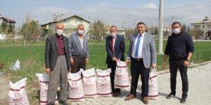 Yalıhüyük çiftçisine fasülye tohumu desteği