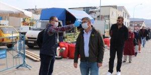 Ürgüp'te pazar yeri girişine dezenfektan kabini yerleştirildi