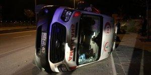 Kayseri'de ambulansla otomobil çarpıştı: 3 yaralı