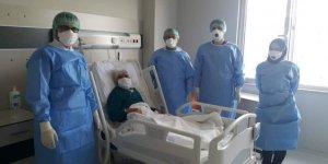 99 yaşındaki hasta koronavirüsü yendi