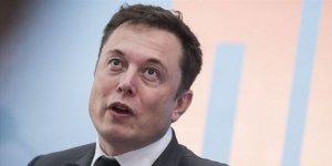 """Elon Musk'ın oğluna verdiği """"sıra dışı"""" isim yasalara aykırı olabilir"""