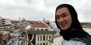 Salgın nedeniyle ülkesine gidemeyen Kırgız seyyah Konya'da mutlu