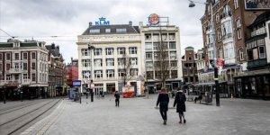 Hollanda'da Kovid-19 nedeniyle ölenlerin sayısı 5 bin 422'ye ulaştı