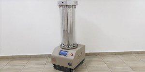 Meslek lisesinde ultraviyole ışınlarıyla dezenfeksiyon yapan robot geliştirildiler