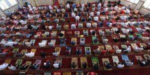 Gazze'de iki ay sonra cuma namazı
