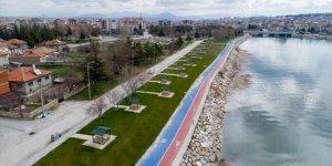 Beyşehir'de sahildeki park ve piknik alanları yeni normale hazır