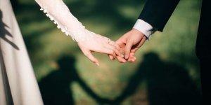 Evlenecek çiftler düğün için gün almaya başladı