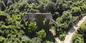 Bin 800 yıllık su kemerleri ayakta kalmak için direniyor