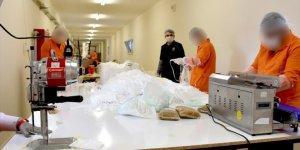 Kayseri'de hükümlü ve tutuklular 3 milyon maske üretti
