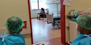 Korona virüs tedavisi gören öğrenci LGS'ye hastanede girdi