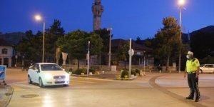 Seydişehir'de maske ve sosyal mesafe kontrolleri