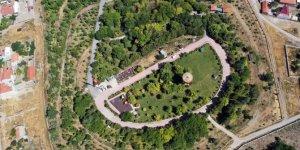 Hayatını yeşile adayan Himmet amca 11 yılda binlerce ağaç dikti