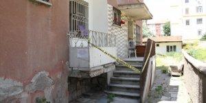 O ilde 3 katlı apartman karantinaya alındı