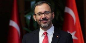 Bakan Kasapoğlu, Konyaspor Başkanı Hilmi Kulluk'u tebrik etti