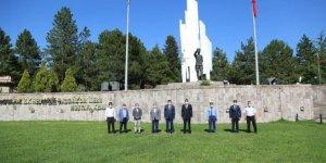 Vali Ali Çelik, Dumlupınar Kurtuluş Savaşı Müzesi'ni ziyaret etti
