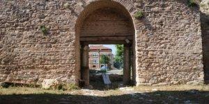 2000 yıllık tarihi İstanbul Kapı eski ihtişamına kavuşuyor