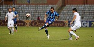 Adana Demirspor fırsatı değerlendiremedi
