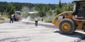 Yalıhüyük'te, Gölcük Yaylası'nda asfaltlama çalışmaları tamamlandı