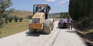Yalıhüyük Belediyesi'nin asfaltlama çalışmaları sürüyor