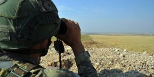 Polisin ikna ettiği PKK'lı terörist, güvenlik güçlerine teslim oldu