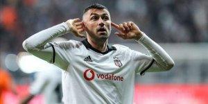 Beşiktaş'ta Burak Yılmaz derbiye yetişti