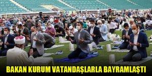 Bakan Kurum vatandaşlarla bayramlaştı