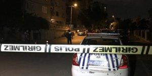Silahlı kavgaya müdahale eden polis yaralandı