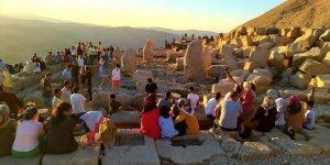 Dünya mirası Nemrut'ta Kurban Bayramı yoğunluğu
