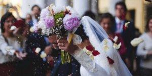 Kovid-19 hastası 80 yaşındaki kadın 72 saat içinde 5 düğüne gitmiş