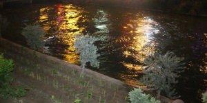 Adana'da sulama kanalına düşen çocuk kurtarıldı