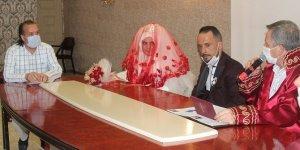 Ali Sait Öge kızını evlendirdi