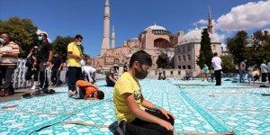 Ayasofya-i Kebir Cami-i Şerifi'ne ziyaretler devam ediyor