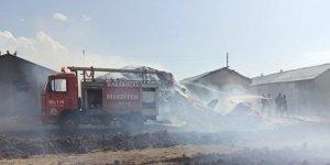 Elazığ'da çıkan yangında 3 ahır ve samanlık küle döndü