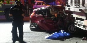 Otomobil tır dorsesine çarptı 1 kişi öldü