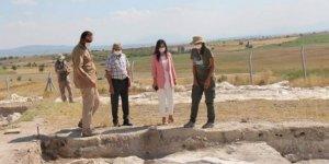 Bölgenin tek Neolitik dönem kazı çalışmaları devam ediyor