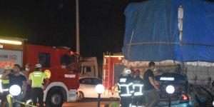 Otomobil tıra arkadan çarptı: 1 ölü, 4 yaralı