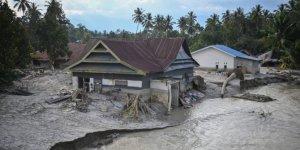 Endonezya'da sel nedeniyle 1469 ev sular altında kaldı