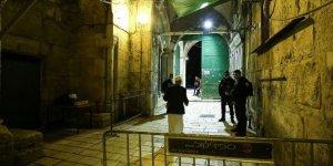 Filistinliler, İsrail polisi eşliğinde Mescid-i Aksa'yı ziyaret eden BAE heyetini camiden çıkardı