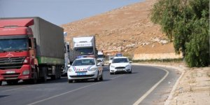 BM'den İdlib'e 84 TIR insani yardım