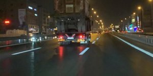 Hafriyat kamyonu taşıyan tır'ın tehlikeli yolcuğu