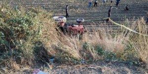 Devrilen traktörün sürücüsü yaşamını yitirdi