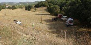 Tarlaya düşen otomobilin sürücüsü hayatını kaybetti