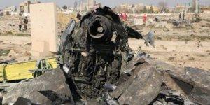 Ukrayna'da düşen askeri uçağın karakutusuna ulaşıldı