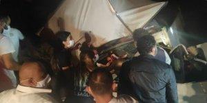 Bursa'da, şarampole devrilen kamyonetteki 2 kişi yaralandı