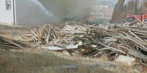 Konya'da besihane yangınında 4 ahır ve iki ev kullanılamaz hale geldi
