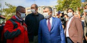 Sağlık Bakanı Koca, deprem bölgesinde incelemelerde bulundu