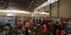 İzmir'e 331 araçlık yardım malzemesi ulaştı
