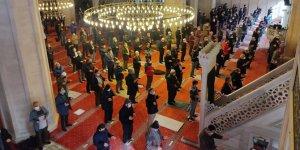 Tüm camilerde aynı dua edildi!