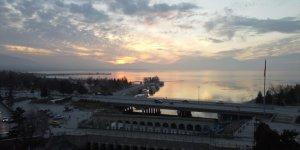 Beyşehir Gölü'nde güneşin batışı drone ile havadan görüntülendi